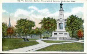 "1.09 CPC - ""The Common. Soldiers Monument & Cannons, Cambridge, mass."" ca.1915-1924 [New England News Co., Boston, MA]"